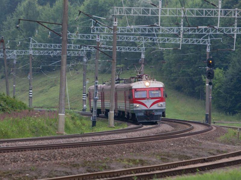 Vilniuje traukinys partrenkė vyrą