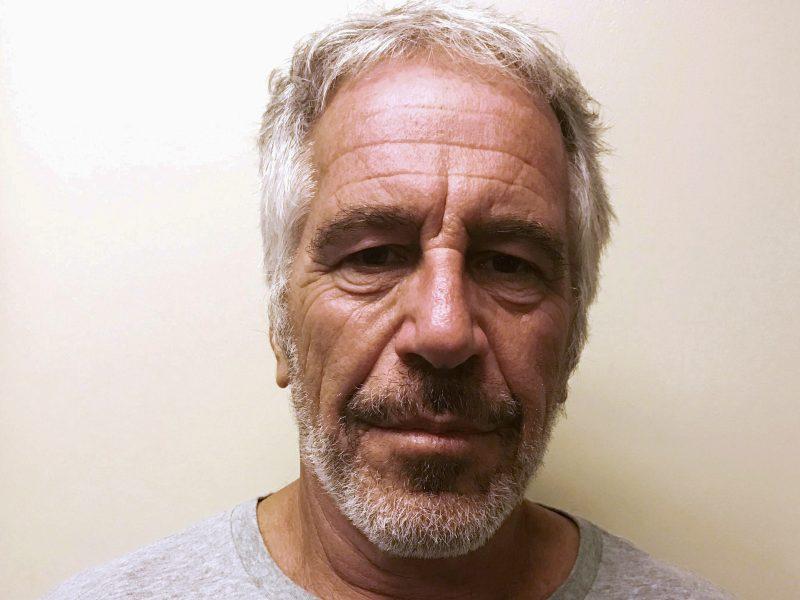 J. Epsteinas pasirašė testamentą dvi dienos iki mirties kalėjime