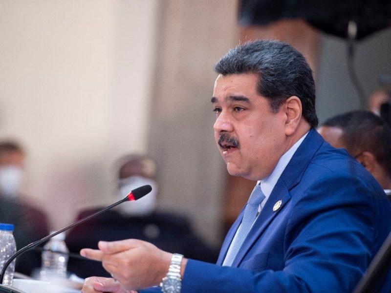 """JAV prokurorų """"narkoterorizmu"""" apkaltintas N. Maduro išvyko retos kelionės į Meksiką"""