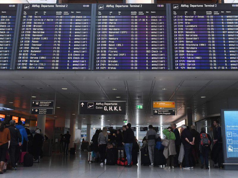 Europos oro linijos ir toliau atšaukia skrydžius į Kiniją