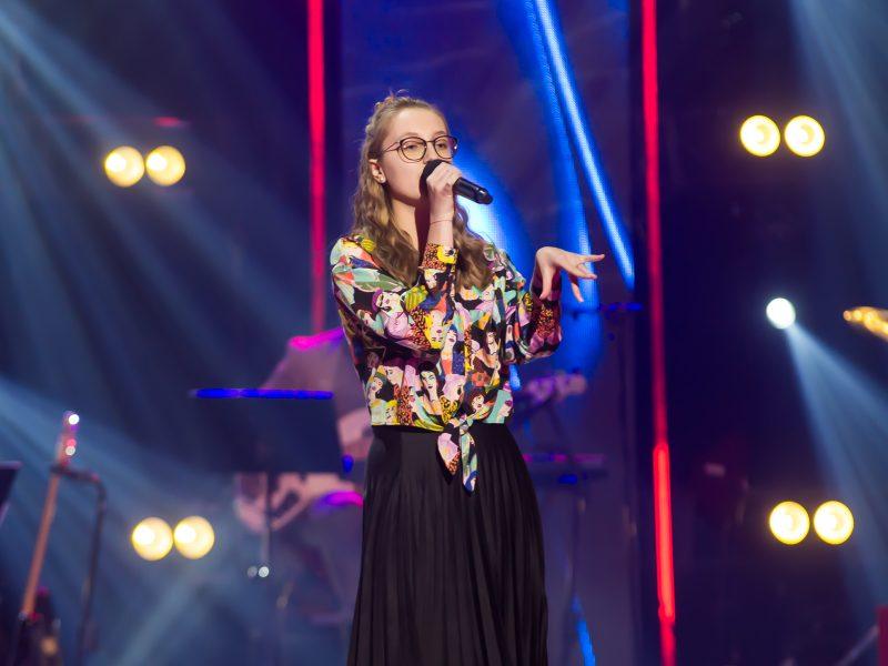 """""""Lietuvos balsas. Vaikai"""" scenoje – paauglė, dėl kurios mokytojai buvo pasiryžę atiduoti viską"""