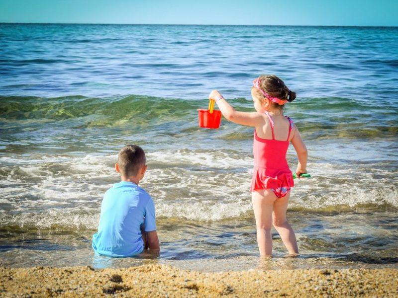 Pataria, ką pasiimti maudynėms su vaikais – šeši privalomi atributai