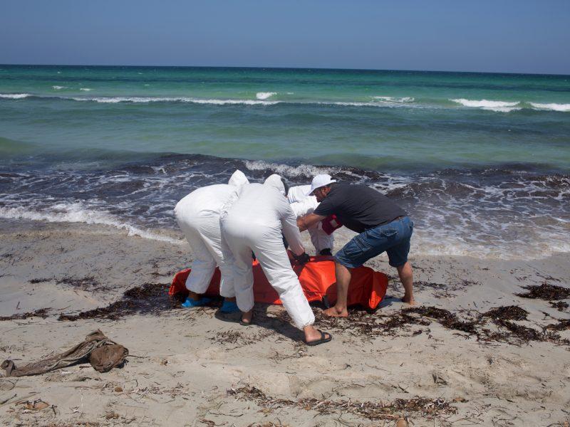 Prie Senegalo krantų nuskendus laivui žuvo 140 pabėgėlių