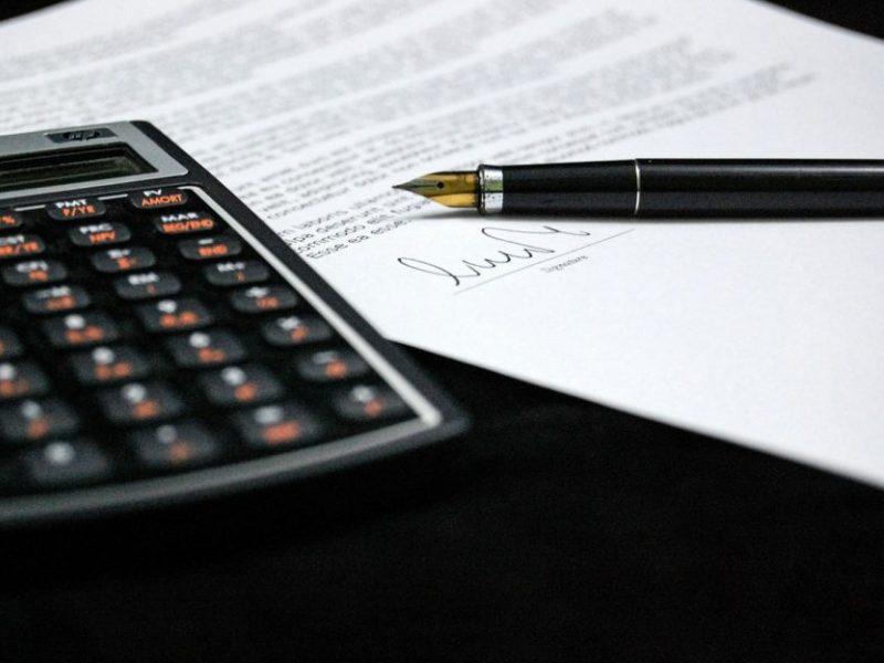 Tiriant gydymo įstaigų viešuosius pirkimus įtarimai pateikti dar šešiolikai asmenų