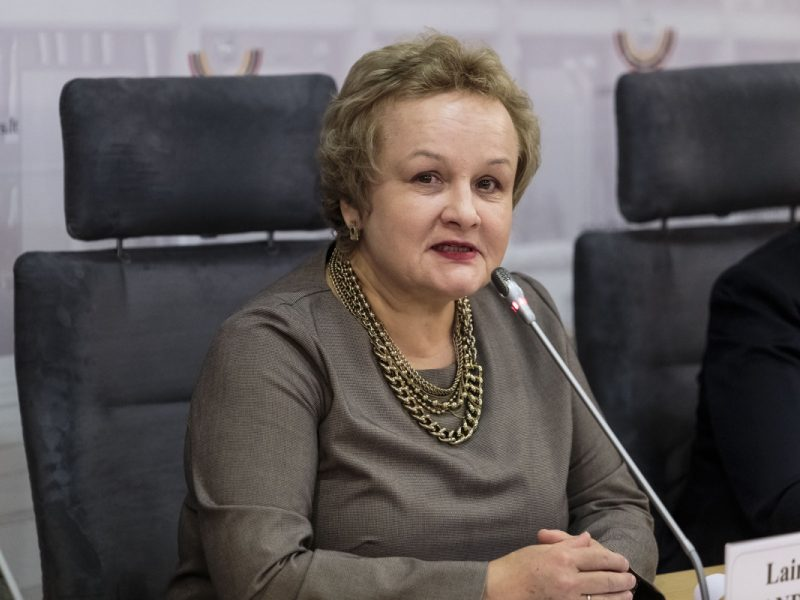 L. Andrikienė siūlo Lietuvoje pradėti diskusijas universalių bazinių pajamų tema