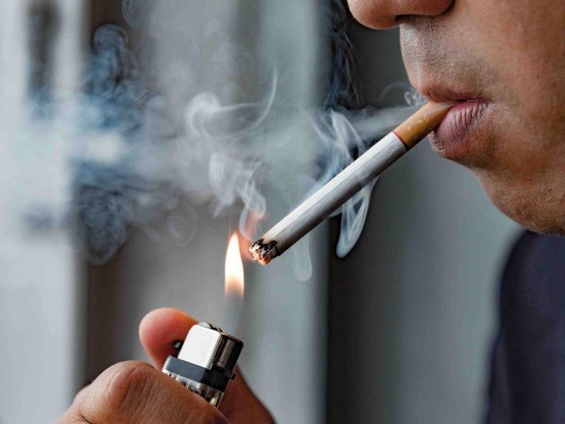 Draudimas rūkyti balkonuose: kam grės atsakomybė ir kokias teises turės rūkaliai?