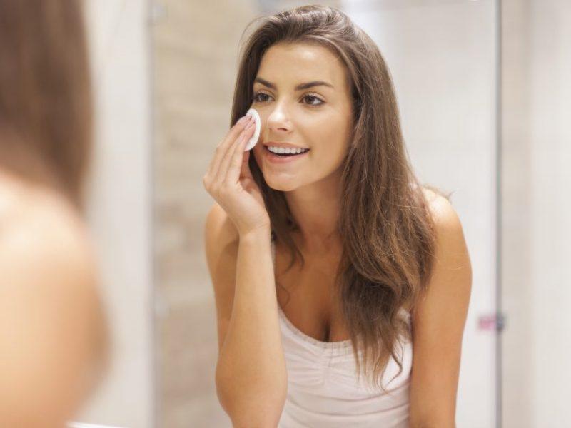 Odos valymas: netinkamai parinkta priemonė gali tapti odos problemų pradžia