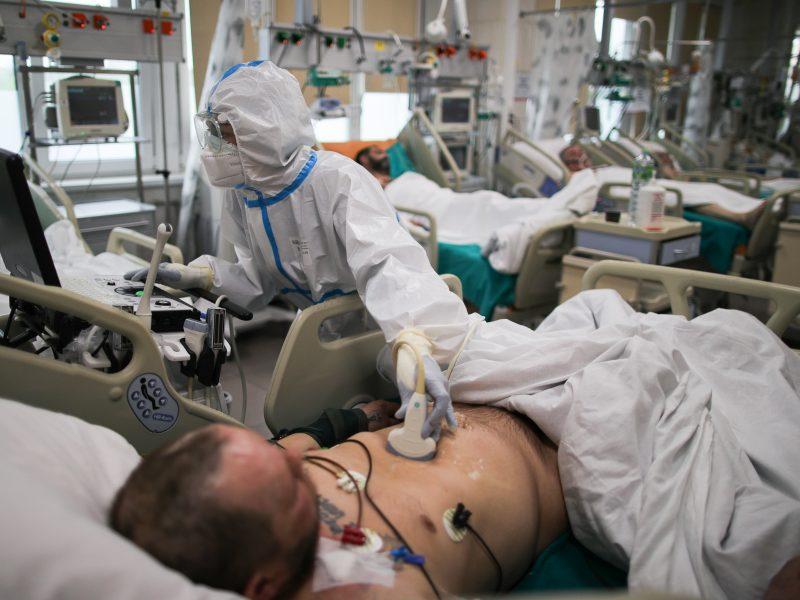 Rusijoje COVID-19 aukų skaičius peržengė 5 tūkst., užsikrėtusiųjų – virš 420 tūkst.