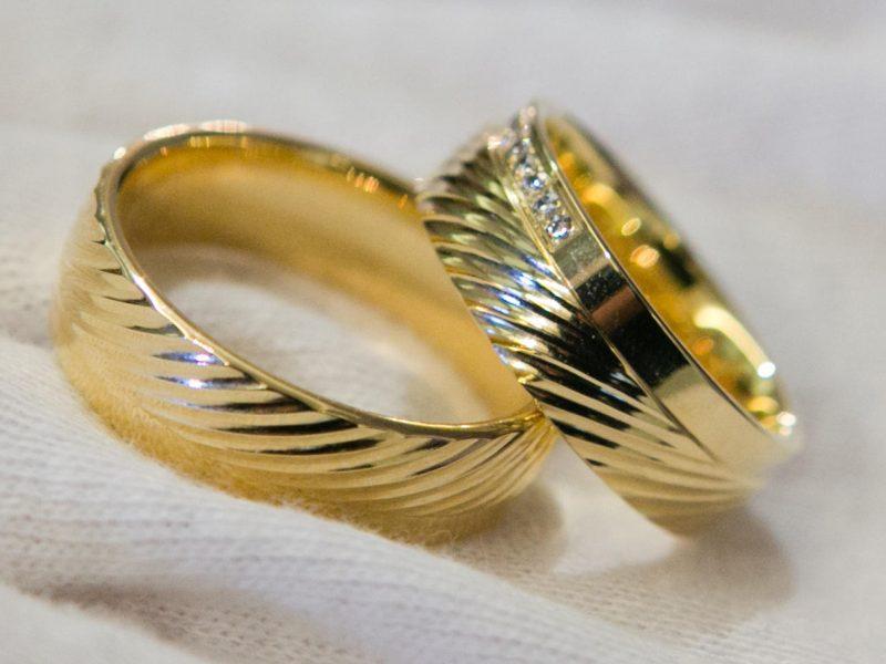 Vyriausybė siūlo tam tikrais atvejais leisti santuokas nutraukti notarams
