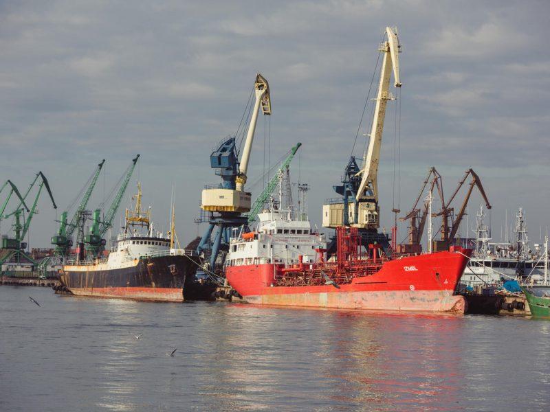 """Sulaikytas """"Latvijas tilti"""" vadovas nušalintas nuo pareigų"""