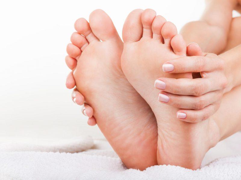Didžiojo pėdos piršto deformaciją sumažinti padės pratimai
