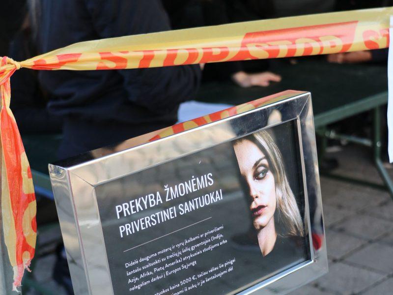 Kauno pareigūnai pademonstravo pagrindines prekybos žmonėmis formas