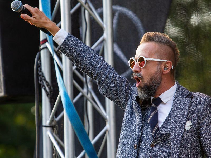 Kairėnų festivalyje skambėjo gražiausios L. Adomaičio dainos
