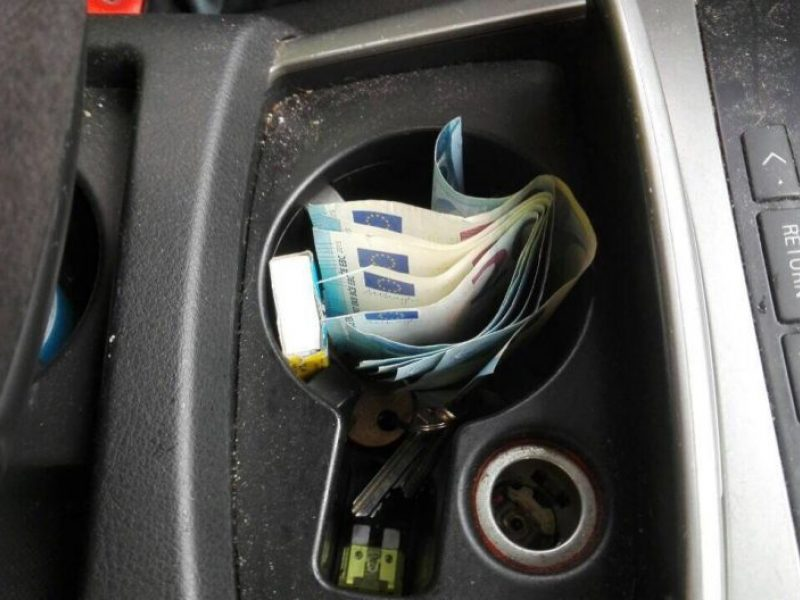 Pareigūnai nesusigundė neblaivaus vairuotojo siūlomu 200 eurų kyšiu