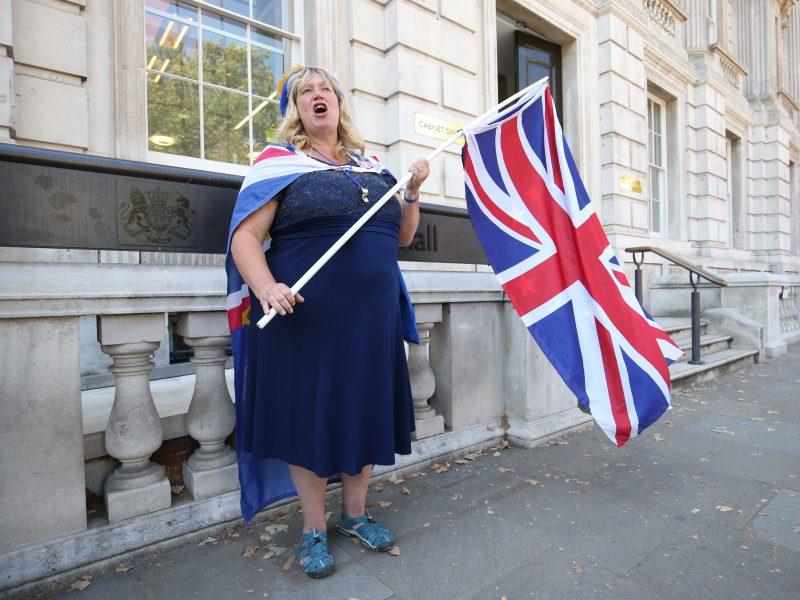 Apklausa: tik trečdalis britų pritaria išstojimui iš ES spalio pabaigoje