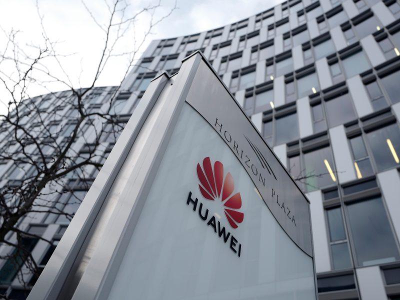 """Dėl Kinijos bendrovės """"Huawei"""" – kriminalinis tyrimas JAV"""