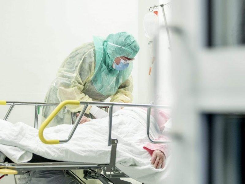 Gydymo įstaigos – neviltyje: dėl COVID-19 patirtas išlaidas kompensuos tik rudenį