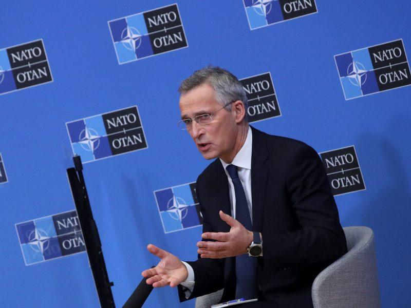 """J. Stoltenbergas: NATO neturi aiškios pozicijos dėl """"Nord Stream 2"""""""