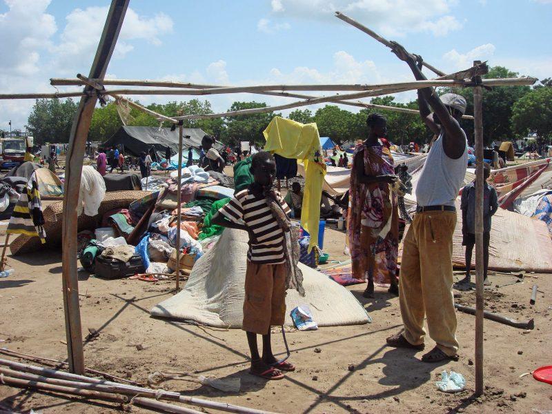 Po smurto protrūkio Pietų Sudane tūkstančiai bėga į Ugandą