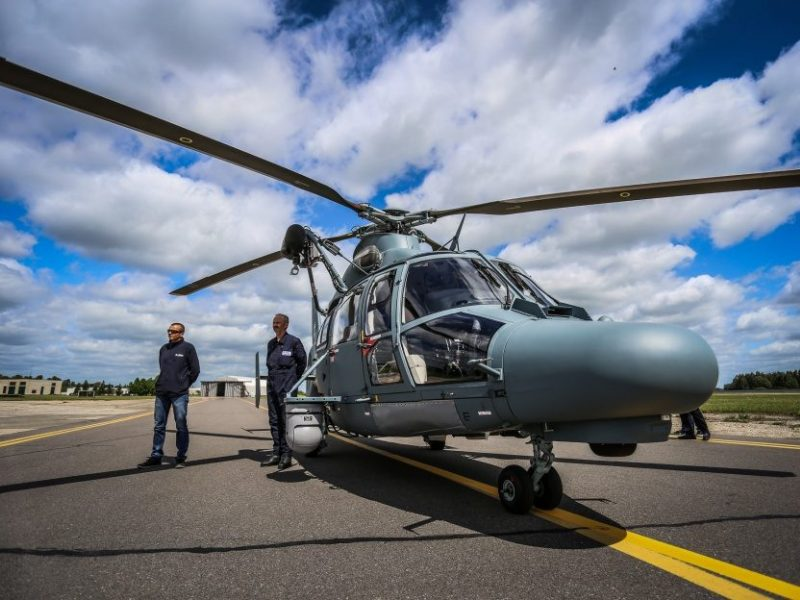 Kariuomenės sraigtasparnis naktį ieškojo dviejų dingusių žmonių, bet nerado
