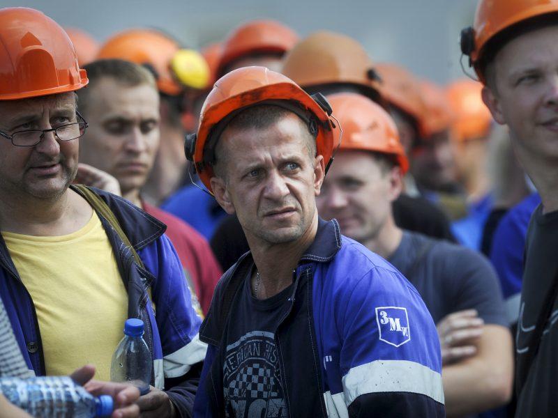 """""""Belaruskalij"""" streikininkai: ES streikuojantiems baltarusiams skyrė 53 mln. eurų"""