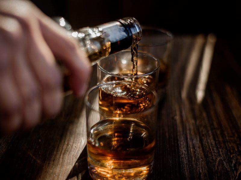 Lietuva padarė pažangą – nebėra daugiausiai alkoholio suvartojanti valstybė