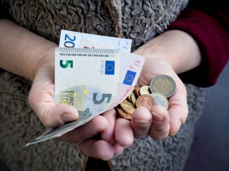 Vienas prasčiausių rodiklių: pensijos Lietuvoje – mažiau nei trečdalis algos