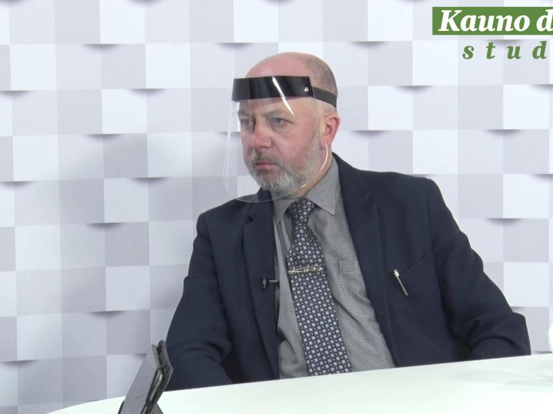 """""""Kauno dienos"""" studijoje – advokatas V. Sirvydis: už frazę """"visi vyrai kiaulės"""" mokėsime baudą"""