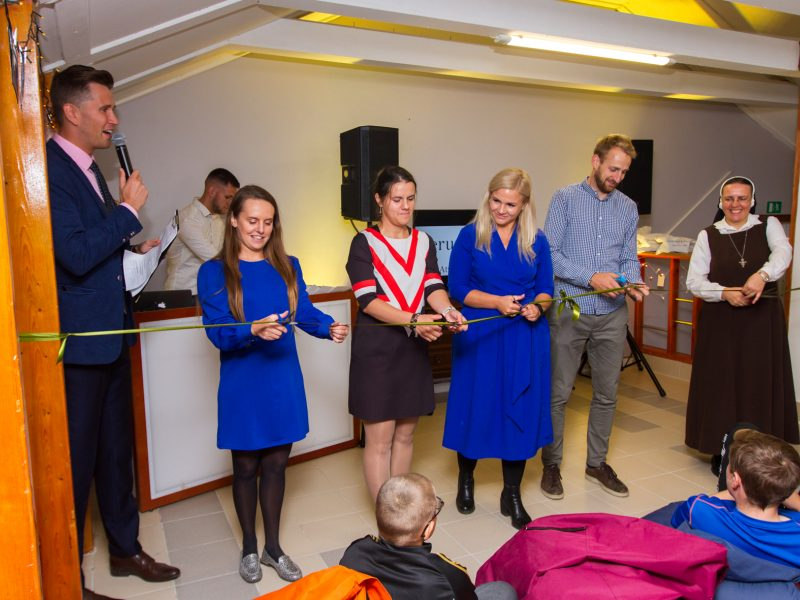 Vilijampolėje atidarytas jaunimo centras