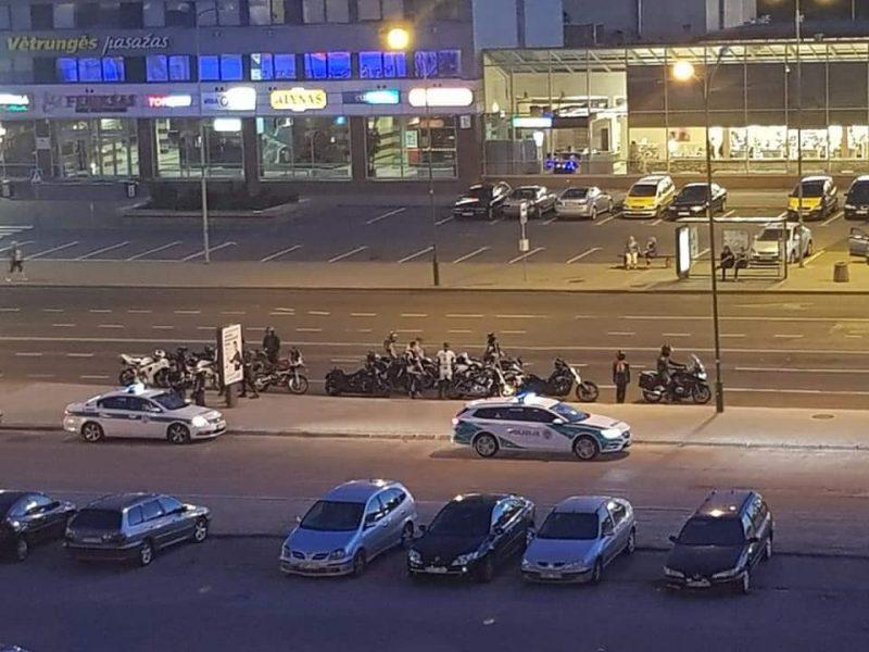 Reidas uostamiestyje: nubausti 25 motociklininkai