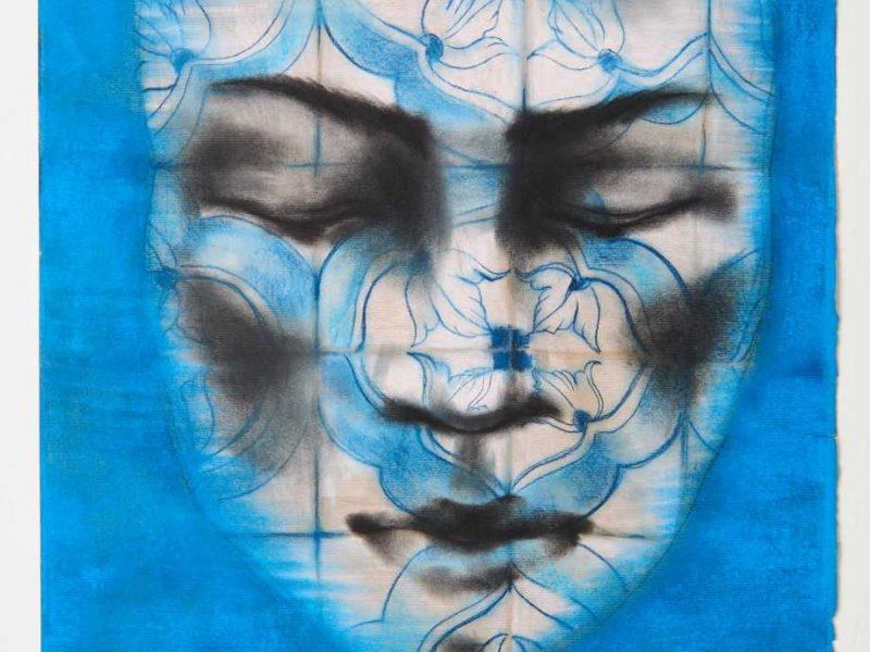 Mėlynos spalvos labirintais