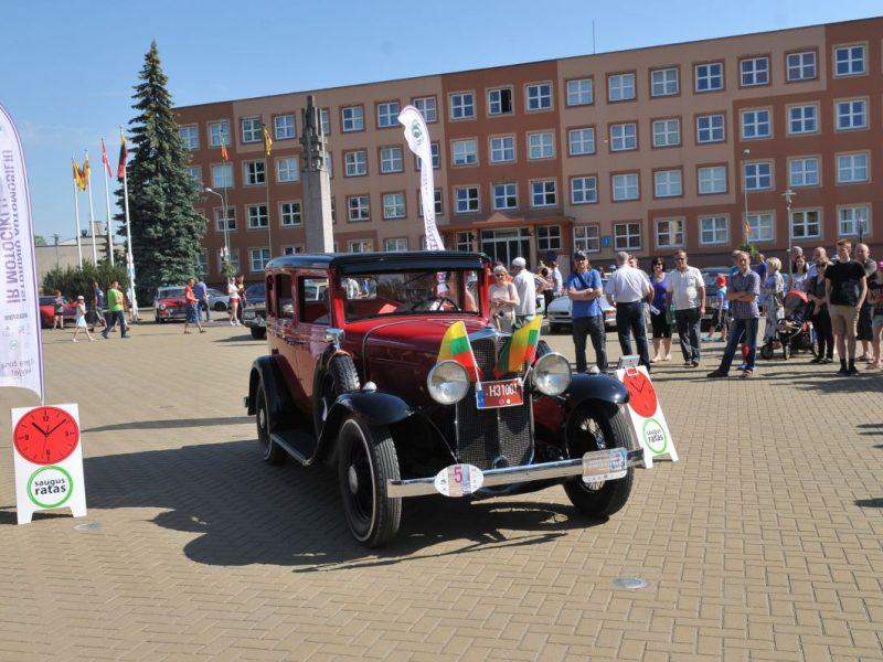 Istorinių automobilių ralyje gaus ir 8 litrų darbo tūrio varikliai