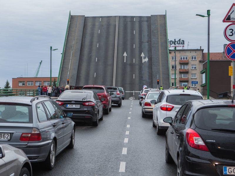 Paaiškėjo, kada bus keliamas Pilies tiltas