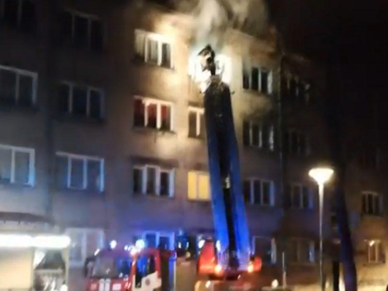 Bendrabutyje Sulupės gatvėje siautėjo ugnis