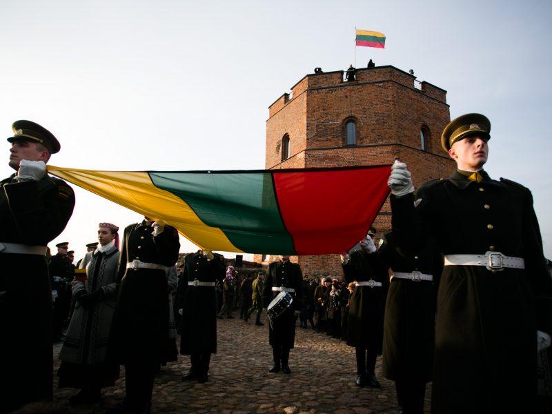 Minimos Lietuvos vėliavos iškėlimo Gedimino pilies bokšte 100-osios metinės