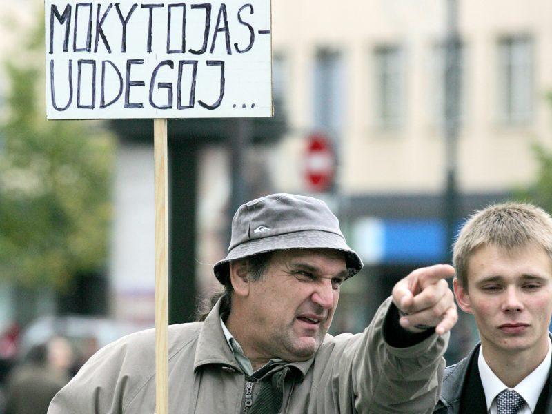 Profsąjungos atstovas suskaičiuoja 120, ministerija – 30 streikuosiančių mokyklų
