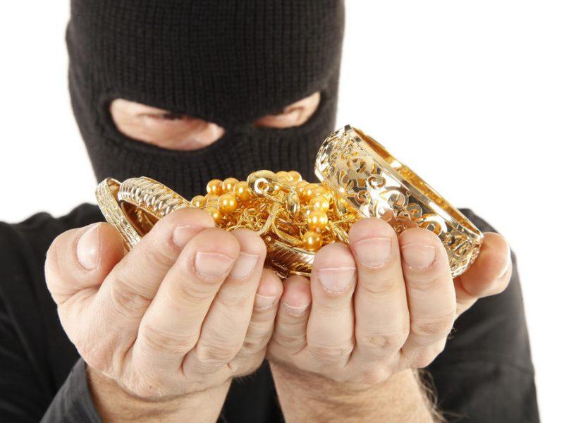 Vagių grobis Tauragėje – auksiniai žiedai ir 10 tūkst. eurų