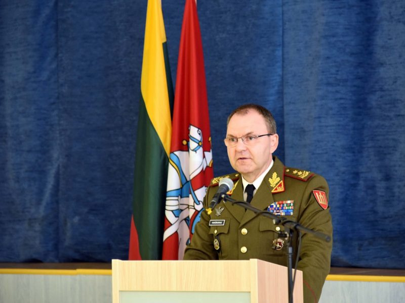 Gynybos štabo viršininkas V. Vaikšnoras išeina į atsargą
