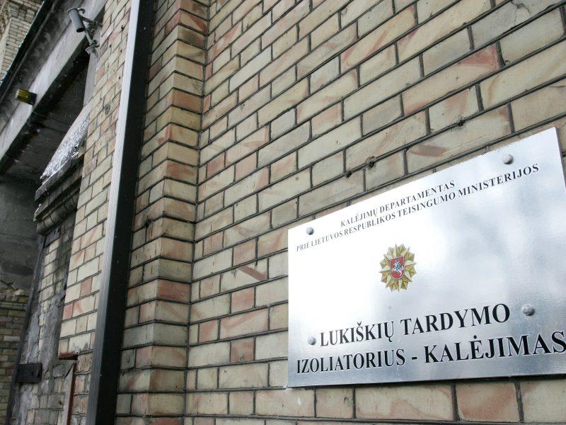 Seimo kontrolieriai: perkeliant nuteistuosius iš Lukiškių pažeistos jų teisės