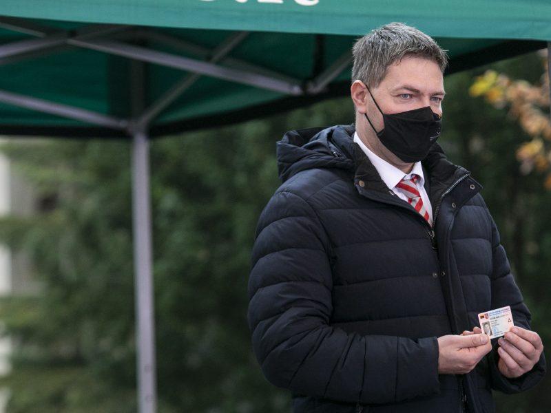 Seimo vicepirmininkas A. Mazuronis užsikrėtė COVID-19