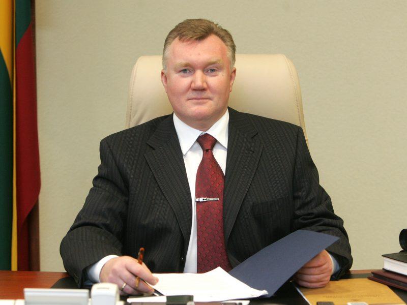 Buvęs teisingumo ministras bus teisiamas dėl turto iššvaistymo