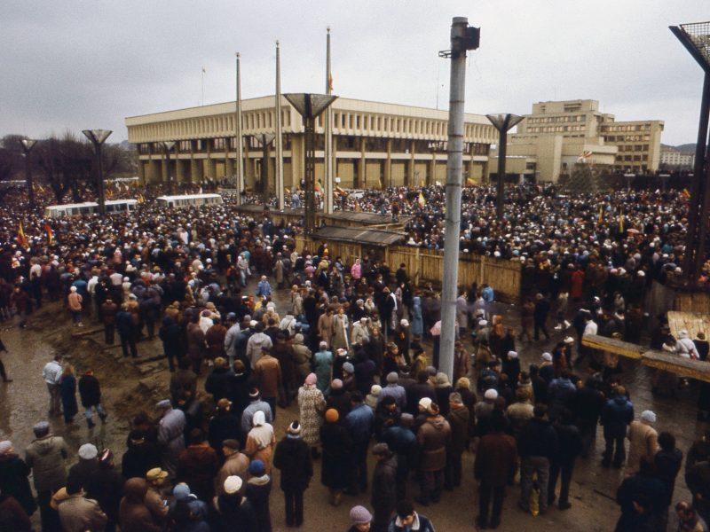 Sausio 13-osios išvakarėse Seimas pareiškė pagarbą laisvės kovotojams