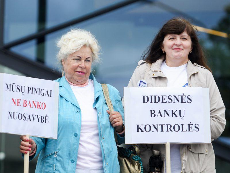 Kas sutramdys besaikį Lietuvos komercinių bankų apetitą?