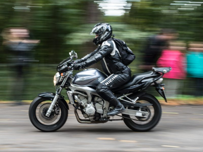 Dėmesio: gatvėse – nematomi motociklininkai