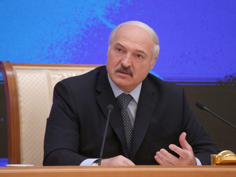 Baltarusijos lyderis ragina gerinti santykius su NATO ir Vakarais