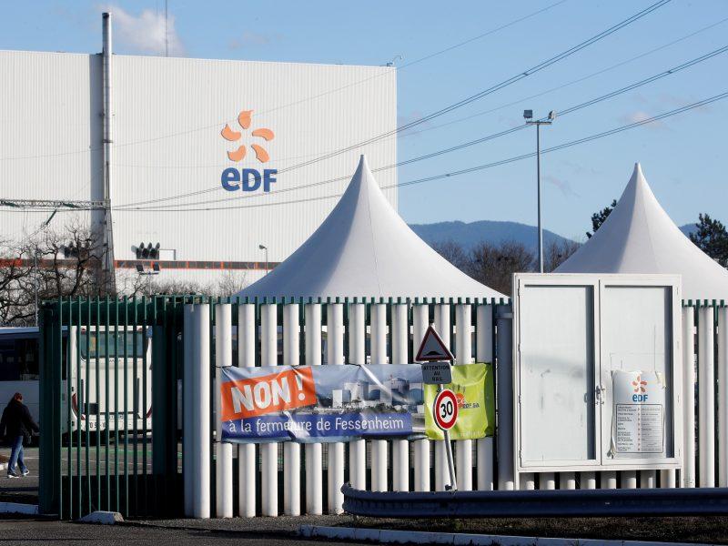 Prancūzija pradeda seniausios šalies atominės jėgainės uždarymą