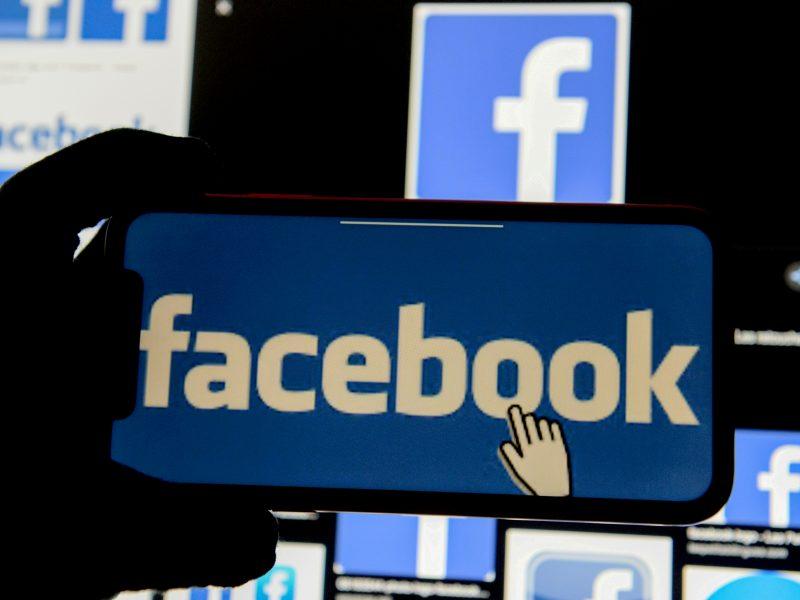 """""""Facebook"""" pradeda riboti politinį turinį"""