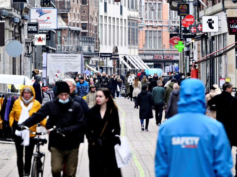 Danija pirmoji ES atšaukė visus dėl COVID-19 įvestus suvaržymus šalies viduje