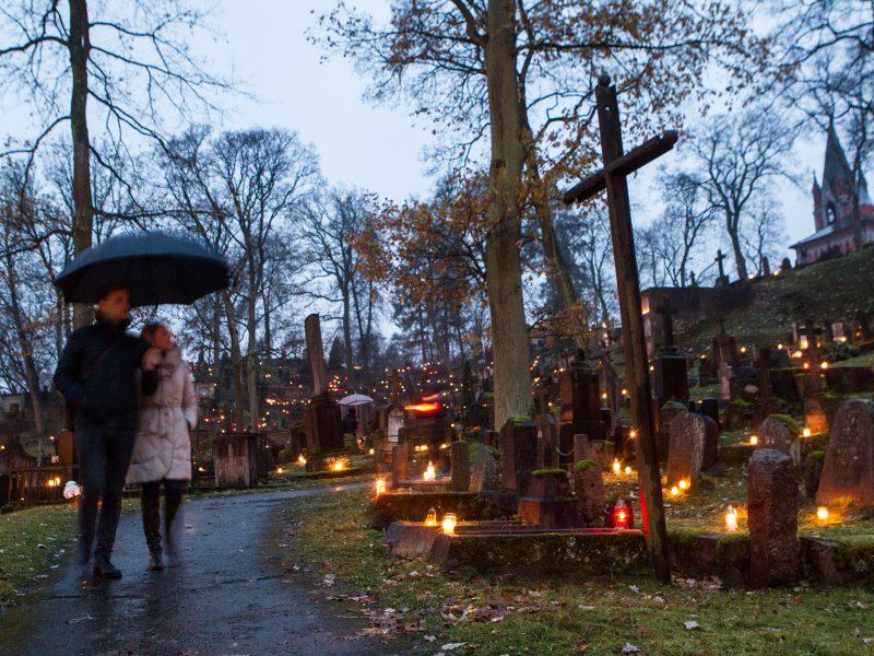 Laisvadienį siūlo ne tik lapkričio 1-ąją, bet ir 2-ąją