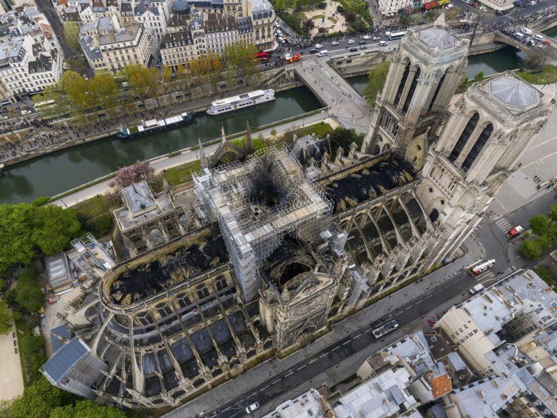 Katedros gaisras – egzaminas Prancūzijai